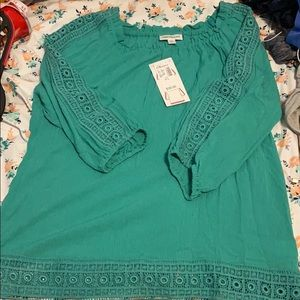 Green blouse size L can be worn on or offshoulder